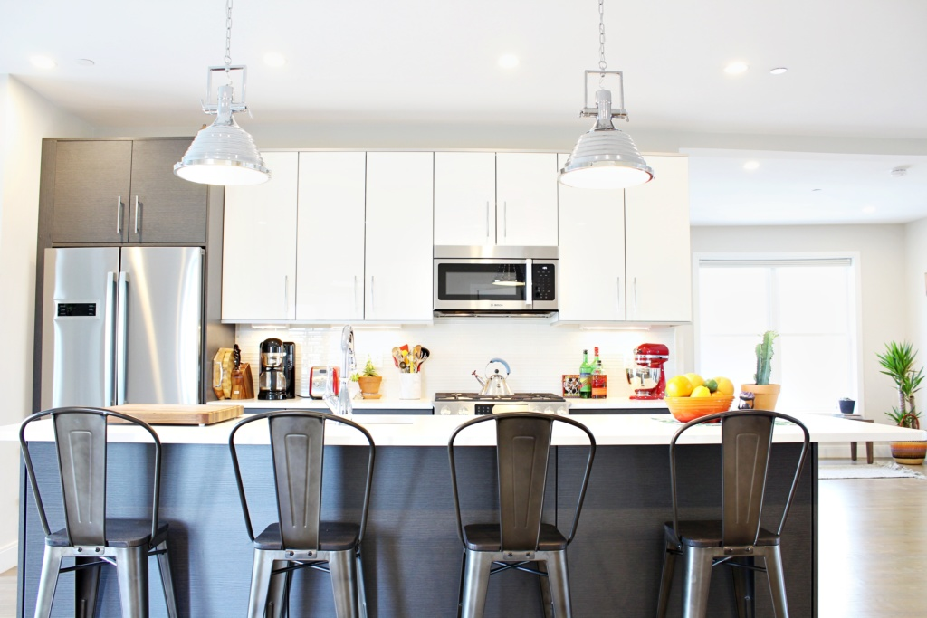 Add Your Kitchen With Kitchen Island With Stools: Finding The Right Bar Stools For Your Kitchen Island